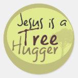 Jesús abraza árboles etiquetas redondas