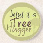 Jesús abraza árboles posavasos personalizados