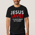 Jesús ahorra la camisa de los hombres