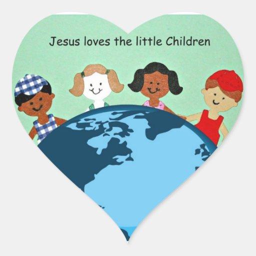 Jesús ama a los pequeños niños pegatina en forma de corazón