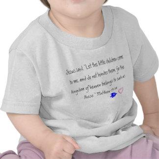 Jesús ama la camiseta del niño de los pequeños niñ