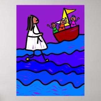 Jesús camina en el agua posters