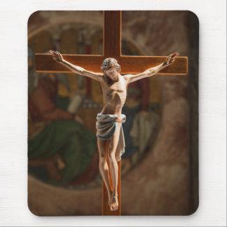 Jesús en la cruz tapete de ratón