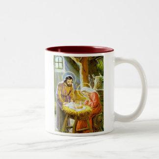 Jesús en la natividad del navidad del pesebre taza de café de dos colores