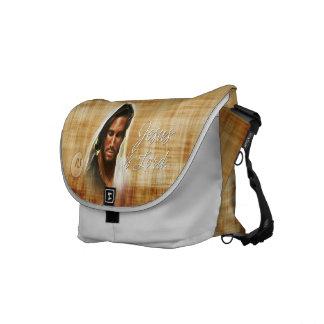 Jesús es la bolsa de mensajero de señor A2 Bolsa De Mensajería