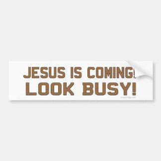 Jesús está viniendo - parezca ocupado etiqueta de parachoque