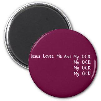Jesús me ama imán redondo 5 cm