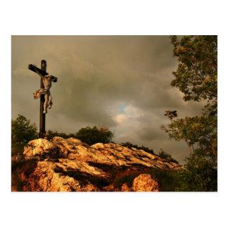 Jesús murió en la cruz postal
