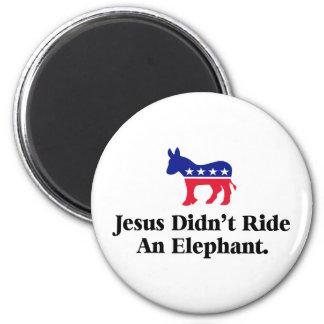 Jesús no montó un elefante - republicano anti imán redondo 5 cm