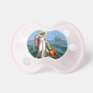 Jesús que camina en el agua chupete de bebe