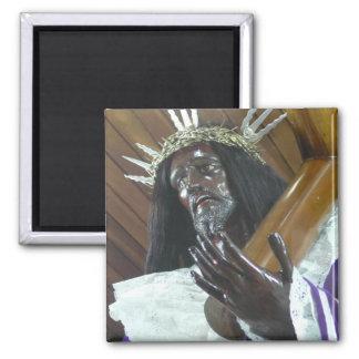 Jesús que lleva la cruz imán cuadrado