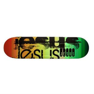 Jesús; Verde vibrante, naranja, y amarillo Skateboard