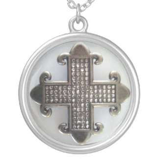 JEWELED MALTESE CROSS ON WHITE print Round Pendant Necklace