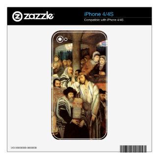 Jews Praying by Maurycy Goettlieb - Circa 1878 iPhone 4 Decal