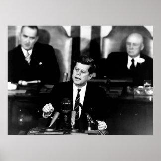 JFK anuncia la misión del alunizaje -- Frontera Póster