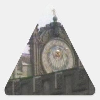 jGibney de Oxford 1986 Disk1 Part1 snapshot_6146 Pegatina Triangular