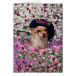 Ji en flores - perrito de la ji de la chihuahua en tarjeta