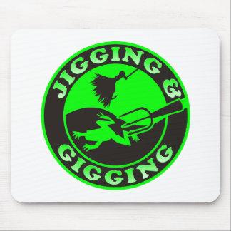 JIGGING & GIGGING MOUSE PAD