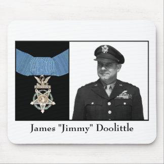 Jimmy Doolittle y la medalla de honor Tapetes De Ratón