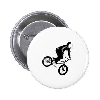 Jinete de BMX en blanco y negro Pin Redondo 5 Cm