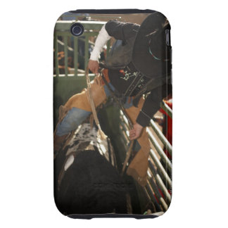 Jinete de Bull que ata la cuerda en toro en el can iPhone 3 Tough Funda