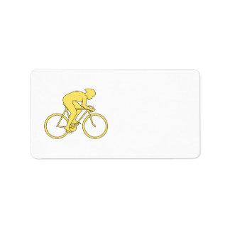 Jinete de la bicicleta en amarillo etiquetas de dirección