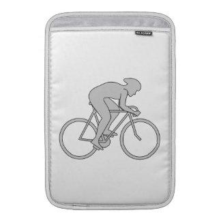 Jinete de la bicicleta en gris funda macbook air