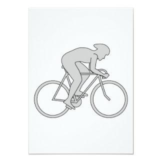 Jinete de la bicicleta en gris comunicado personal