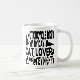 Jinete de la motocicleta del amante del gato taza de café