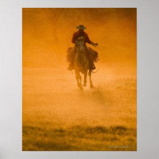 Jinete de lomo de caballo 12 póster
