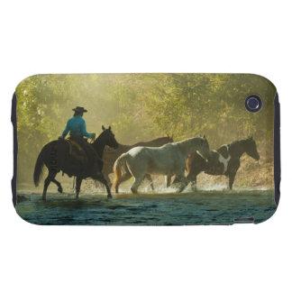 Jinete de lomo de caballo que reúne caballos tough iPhone 3 coberturas