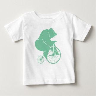 Jinete del oso en la bici del comino del penique remeras