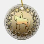 Jinete y herraduras del caballo del Dressage Adorno Para Reyes