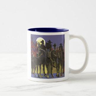 Jinetes apocalípticos Two-Tone coffee mug