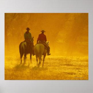 Jinetes de lomo de caballo 10 póster