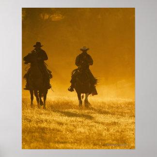 Jinetes de lomo de caballo 3 póster