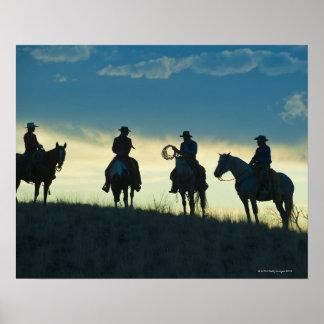 Jinetes de lomo de caballo 8 póster