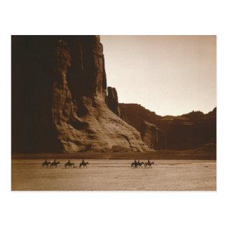 Jinetes de Navajo en Canyon, 1904 Postal