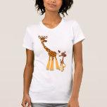 Jirafa de la madre del dibujo animado y camiseta