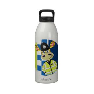 Jirafa del policía del dibujo animado botellas de beber