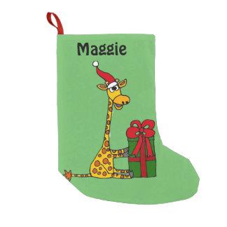Jirafa divertida con el paquete del navidad calcetín navideño pequeño