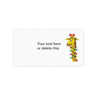 Jirafa divertida con navidad caprichoso de las etiquetas de dirección