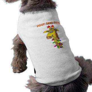 Jirafa divertida con navidad caprichoso de las luc camisas de perritos