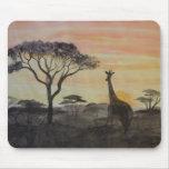 Jirafa en puesta del sol africana tapetes de ratones