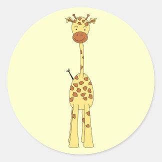 Jirafa linda alta. Animal del dibujo animado Pegatina Redonda