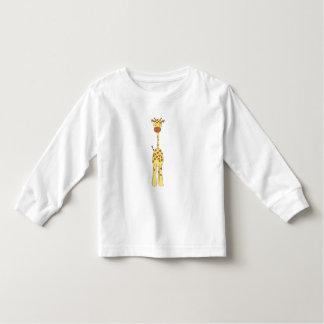 Jirafa linda alta. Animal del dibujo animado Tshirt