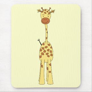 Jirafa linda alta. Animal del dibujo animado Tapete De Ratón