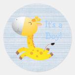 Jirafa linda del dibujo animado es un nuevo bebé pegatinas redondas
