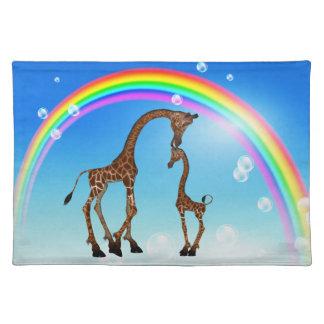Jirafa linda y arco iris Placemat de la mamá y del Mantel Individual