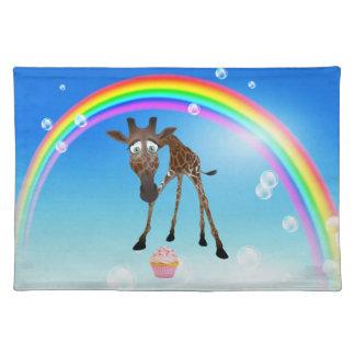 Jirafa magdalena y arco iris caprichosos lindos P Mantel
